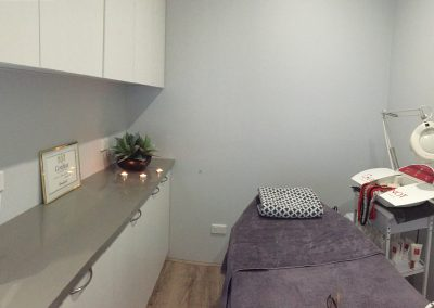 Beauty services treatment room-beauty salon leederville Oxford Beauty Clinic